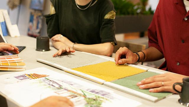 プランナーが住宅デザインプランを提案